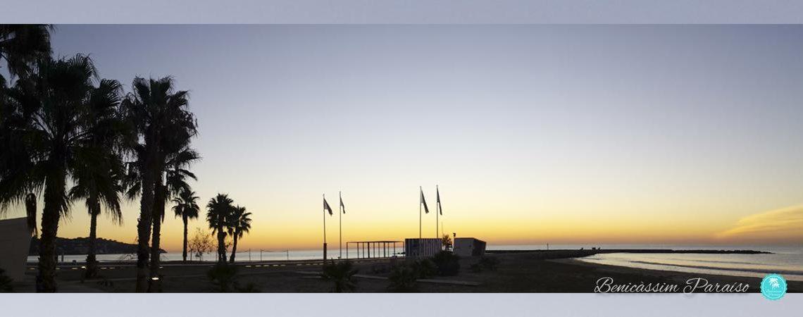 Amanecer en Benicàssim. Playa Torre San Vicente