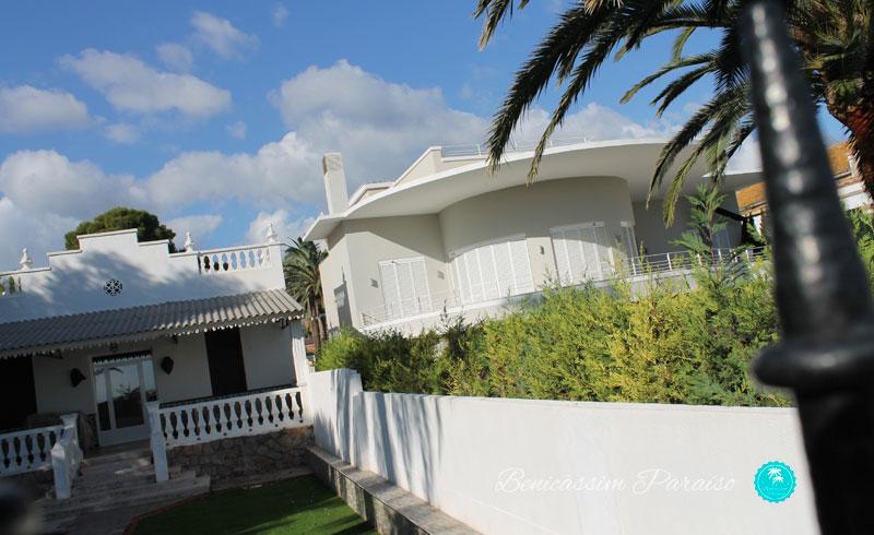 Villas Camilleri y el Barco