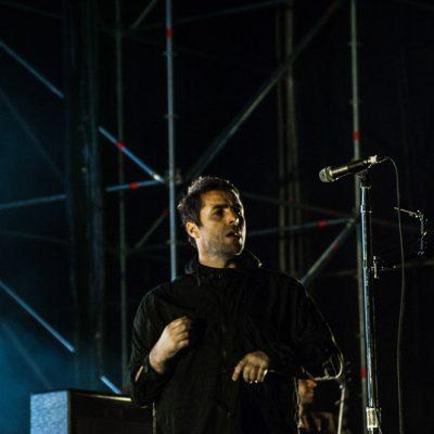 Liam Gallagher al inicio de su actuación
