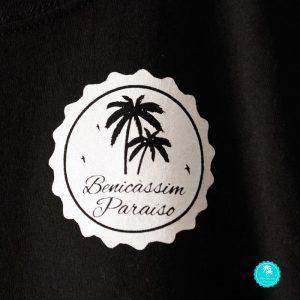 Camiseta Benicàssim negra chica mangas diseño logo frontal