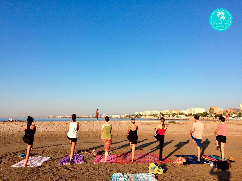 Yoga en la playa con Coworking Dinamic