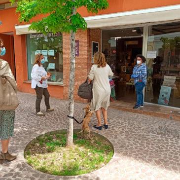 Comercios y locales de menos de 400 metros de Benicàssim empiezan a atender a clientes con cita previa