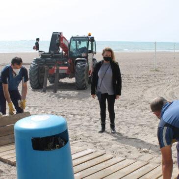 Benicàssim pone a punto las playas para Semana Santa